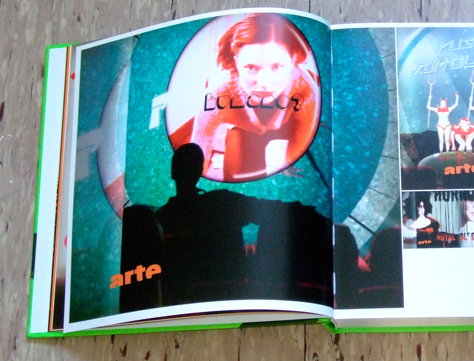 Photo: Arte Trash featured in a book